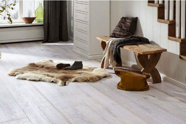 Houtenvloer pvc vloer kurkvloer tapijt traprenovatie